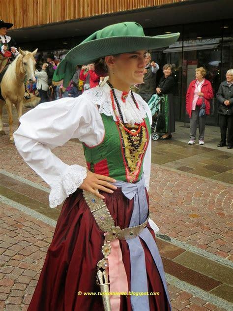 popolare trentino alto adige turismo lento costume tradizionale della val gardena alto