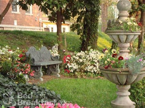 memory garden bench and flower ideas great gardens