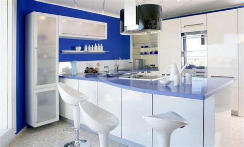 kolory scian  kuchni klasyka czy odrobina szalenstwa