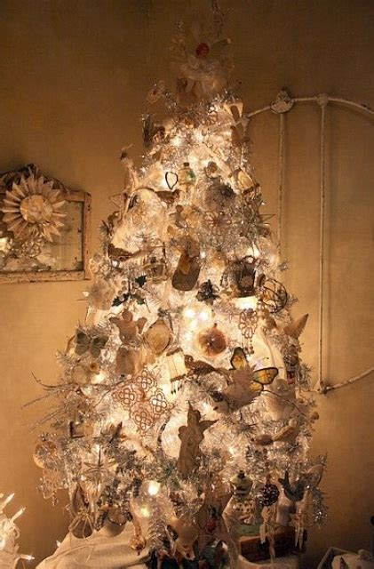 40 beautiful vintage christmas tree ideas digsdigs