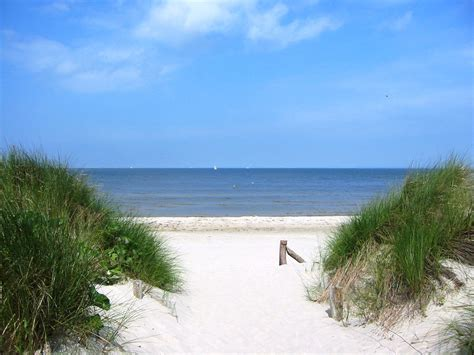 Lubmin Strand by File Lubmin Strand August 2011 Jpg Wikimedia Commons