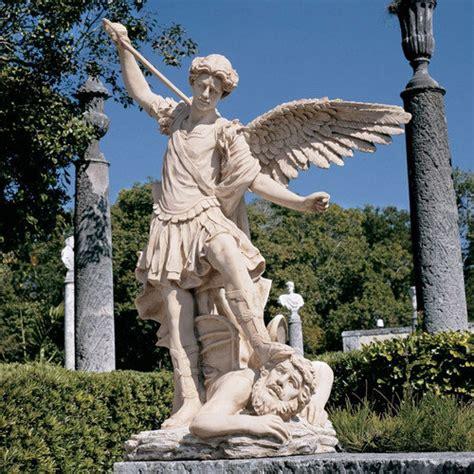 Design Toscano St. Michael The Archangel Garden Angel