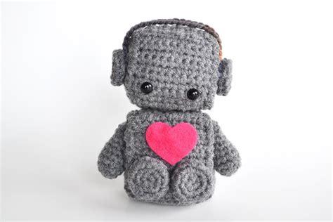 felt robot pattern amigurumi romantic robot by bubblegumbelles craftsy