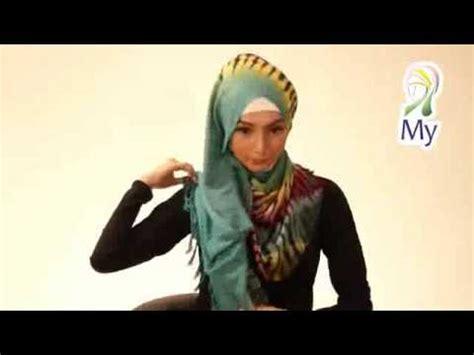 tutorial merajut dua jarum tutorial hijab pashmina dua warna terbaru 2014 youtube