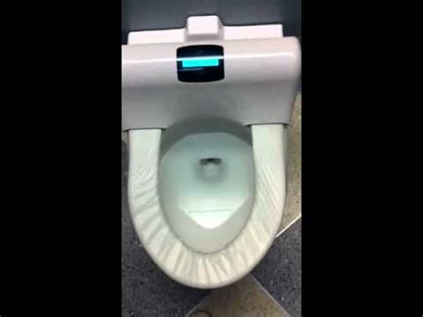 automatic toilet seat cover changer