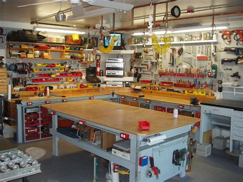 workshop table layout man cave d 233 cor ideas slideshow