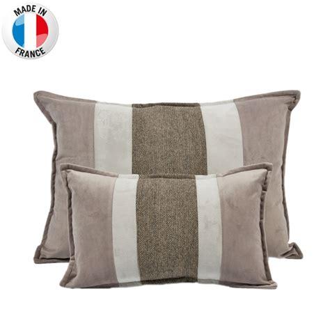 Coussin Deco Pas Cher 7527 by Tapis Taupe Pas Cher Maison Design Wiblia
