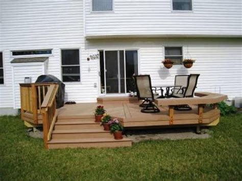 small backyard deck small decks here s a small backyard deck with a