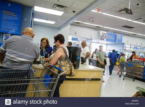 walmart customer service desk miami florida wal mart walmart shopping customer service