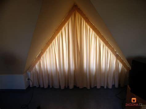 Dreiecksfenster Sichtschutz by Dreieckfensterdekoration Heimtex Ideen