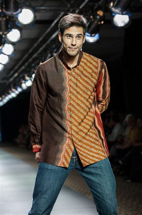 Gamis Casual Polos Ceruty All Puring plaza indonesia s fashion week bin house 3 plaza indonesia s fashion week 2013