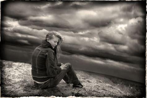 imágenes tristes en blanco y negro gente del mundo en blanco y negro blogodisea