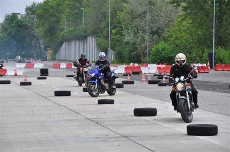 Artikel Vom Motorrad by Foto Polizei Motorrad Kurse 8 Jpg Vom Artikel Motorrad