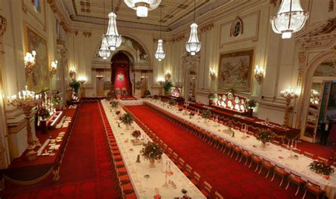 Dining Room Table Cloths by See Royal Household Prepare For State Visit At Buckingham