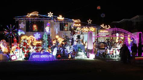 christmas lights redlands ca where to see the illawarra s best lights illawarra mercury