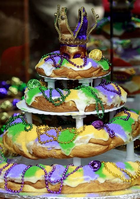 s king cake 17 best images about mardi gras on king cakes