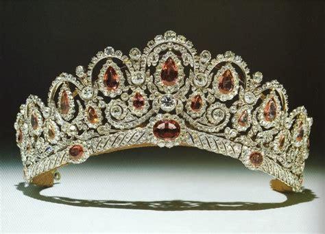 Du Tiara les 2937 meilleures images du tableau tiaras crown sur couronnes diad 232 mes royaux
