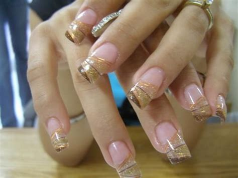 fotos de uñas acrilicas llamativas u 241 as acrilicas de moda doradas