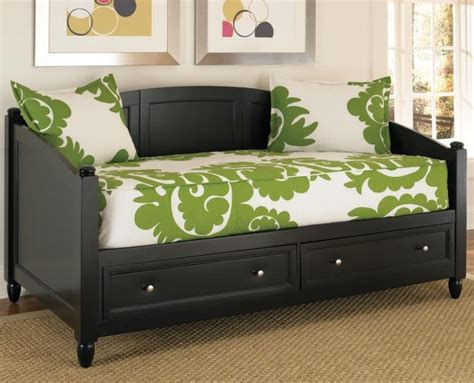 daybed bedroom ideas decorating a bedroom with a daybed room decorating ideas