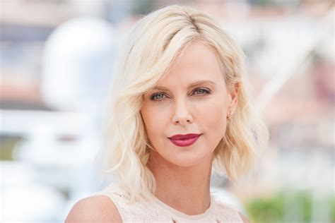 50 Photos Of Charlize Theron by Charlize Theron Gained 50 Pounds For Glitter