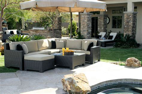 4 types of patio furniture to help turn your backyard into