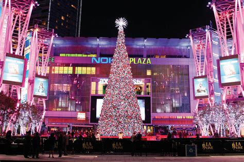 top 28 la live christmas tree lighting holiday tree