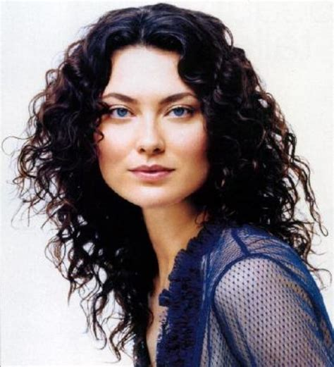 cut curly hair on long island 25 best ideas about long curly haircuts on pinterest