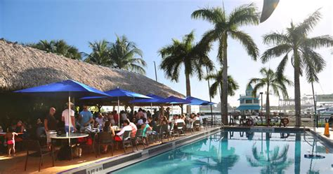 restaurants in boat club road top sidewalk cafes in south beach and miami beach