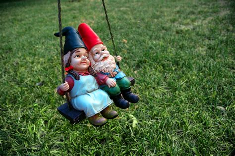 cute garden gnomes how to have healthy fights labyrinth healing labyrinth