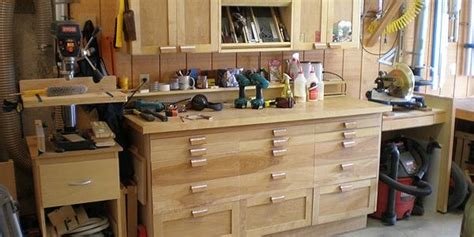 build  practical  small woodworking shop
