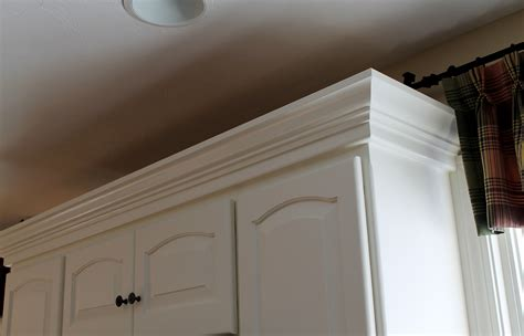 Kitchen Cabinets With Molding Kitchen Cabinets Crown Molding Is A Must Hubley Painting