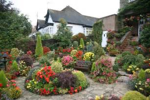 Types Of Big Flowers - 30 cottage garden ideas with different design elements