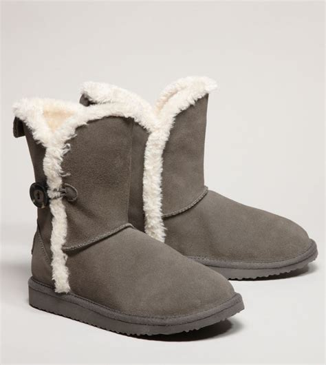 fuzzy winter boots 113 best fuzzy boots images on fuzzy boots