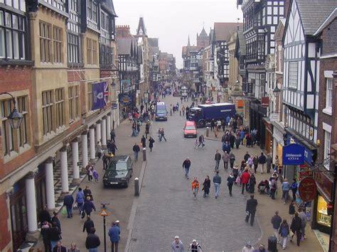 high street british companies united kingdom uk archive news independent retailers enjoy sales boost