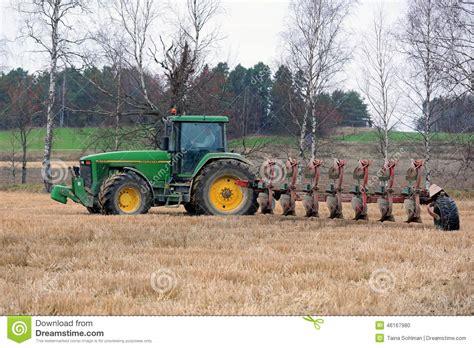 si鑒e tracteur agricole tracteur agricole de deere 8100 et charrue de