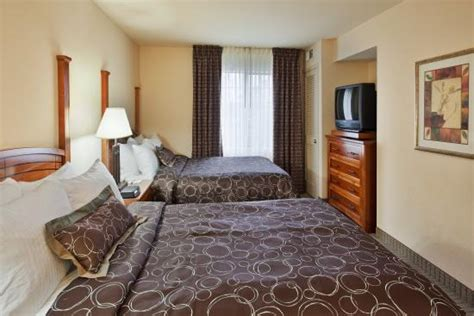 2 bedroom suite portland oregon king size bed in a 2 bedroom suite picture of staybridge suites portland airport