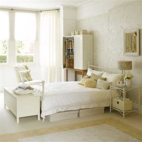 Decorating Ideas For A Bedroom With White Furniture White Bedroom Bedroom Furniture Decorating