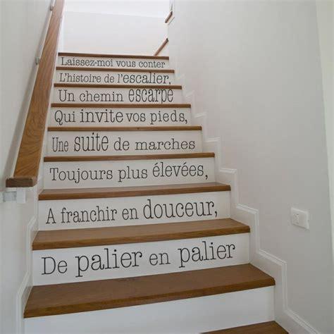Idee Deco Montee Escalier 4235 by 30 Id 233 Es Sublimes Et Originales Pour Habiller Les