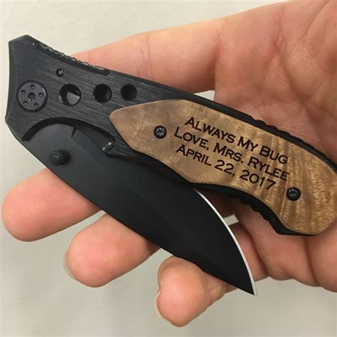 Wedding Gift Knives by 75 Best Engraved Pocket Knives Images On