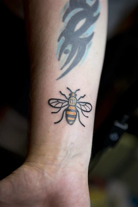 tattoo prices manchester what s up with the many bee tattoos in manchester