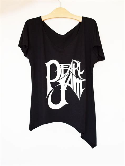 T Shirt Pearljam pearl jam t shirt in black by rockshirt etsy