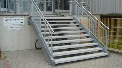 fertigbetontreppe preis au 223 entreppe aus granit beton naturstein waschbeton