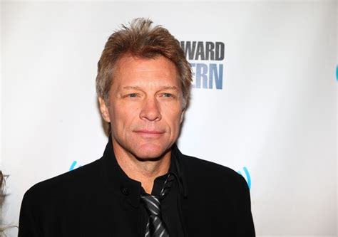 who is the guy in the direct tv commercial playing the guitar jon bon jovi celebrity homes on starmap com 174