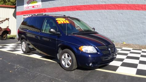 2005 Chrysler Pacifica Tire Size by Changing The Tire On Dodge Grand Caravan Chrysler Town