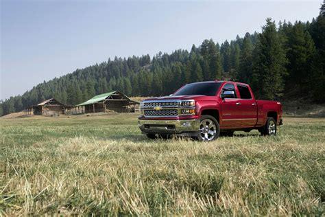 gmc truck recalls gm recalls 900 000 chevrolet silverado gmc trucks