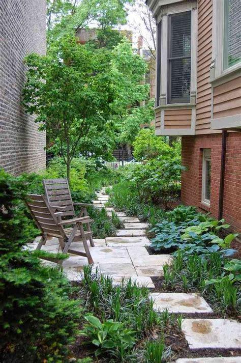 garden between houses les 25 meilleures id 233 es concernant jardin ombrag 233 sur ombre d am 233 nagement paysager