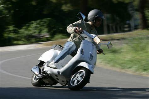 Motorrad Film Aus Den 80ern by Vespa 125 S Testbericht