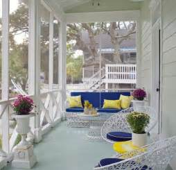 how to brighten your front porch with spring color