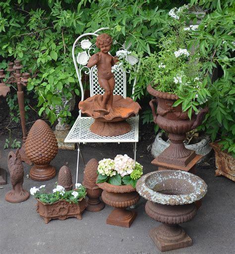 Gartendekoration Ideen by Ideen Fuer Ausgefallene Gartendeko Mit Gusseisen