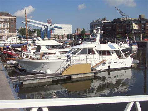 vaarbewijs suriname een jacht voor een nacht zuid holland nederland